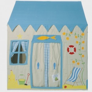 Win Green Beach House Playhouse (small) +Floor Quilt