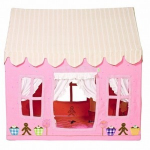 Gingerbread Cottage (small) - Win Green (1107)