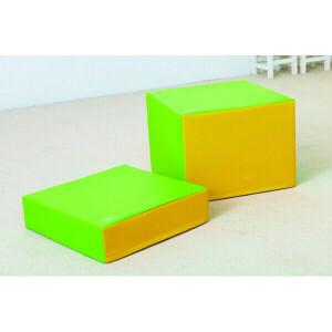 Pedestal set