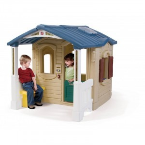 Plastic Front Porch Playhouse - Step2 (794100)