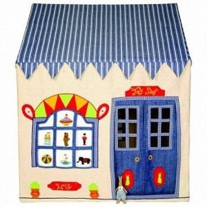 Win Green Toy Shop Playhouse (large) + Floor Quilt